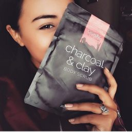 Bodz - Activated Charcoal & Clay Body Scrub 200g 03