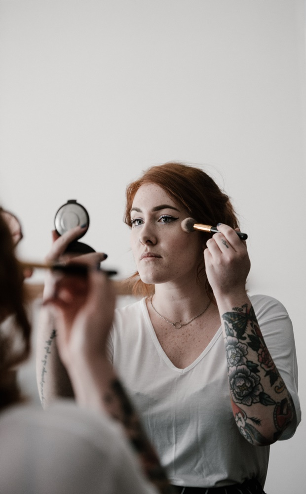Non-toxic makeup for women image by Love Thyself